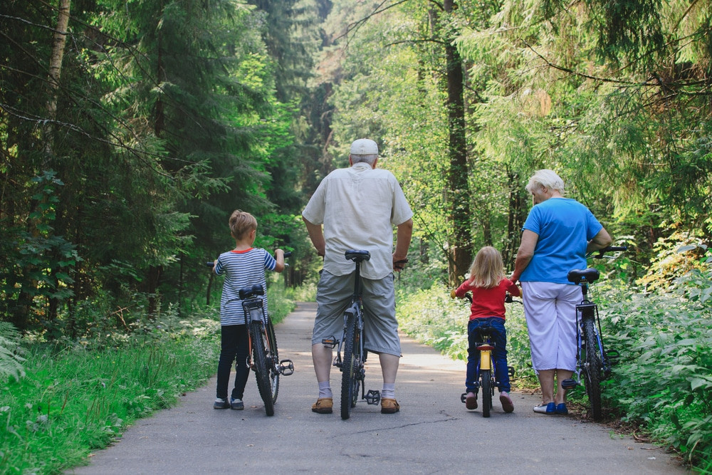 6 Outdoor Activities for You and Your Grandkids